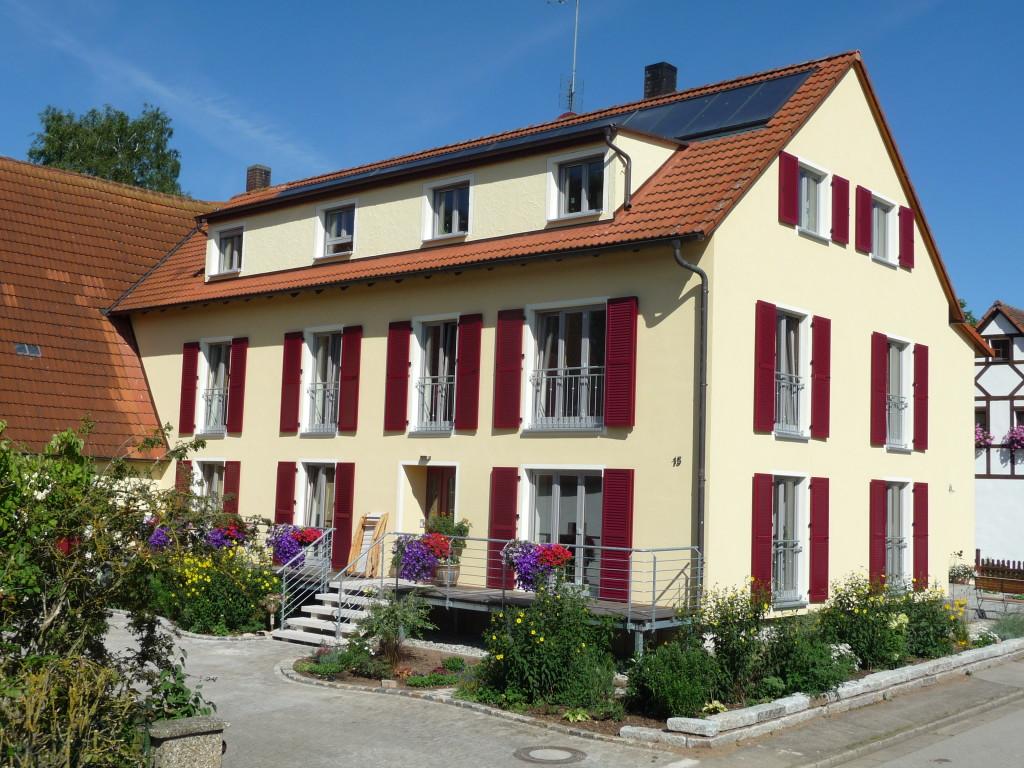 Energetisch saniertes Mehrfamilienhaus